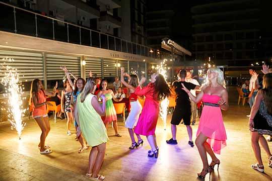 Club Bayar Beach Hotel Eğlence